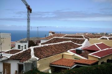 ..............Spanien, Teneriffa, Häuser, Dächer, Baukran