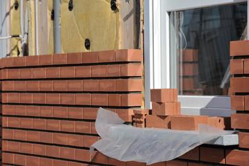 Immobilier brique construction chantier mur