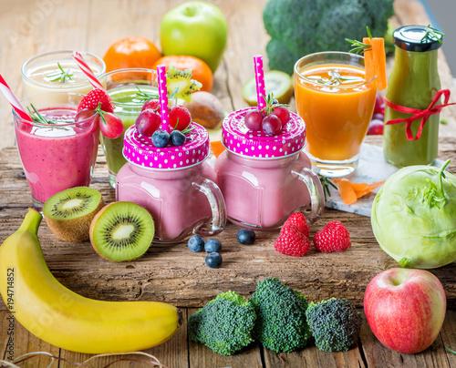 Smoothie Aus Obst Und Gemuse Diat Fasten Detox Stock Photo