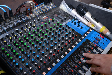 hand operating sound mixer console