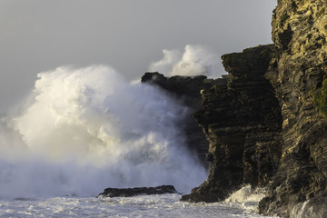 Huge wave breaks over Horse Rock