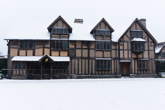 Shakespeare  Elizabethan Birthplace Stratford upon Avon covered in snow
