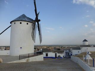 Molinos de viento de Campo de Criptana, pueblo de Ciudad Real, en la comunidad autónoma de Castilla La Mancha (España)