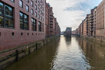 Kanal in der Speicherstadt von Hamburg