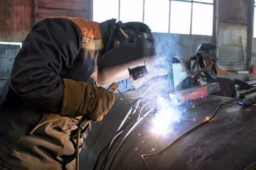 welder weld root weld big pipe