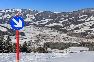 Kirchberg in Tirol, Österreich im Winter