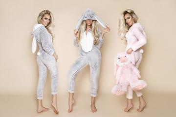 Blondes in pjamas #7