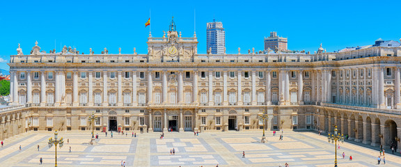 Photo sur Plexiglas Madrid Royal Palace of Madrid ( Palacio Real de Madrid) is the official
