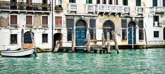 Wall Mural - Panorama of houses and palaces on the grand canal in Venice, Italy