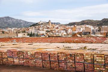 El ladrillo como arte  Pueblo manufacturero de cerámica artístico y artesanal seco y caluroso en la costa mediterránea en España