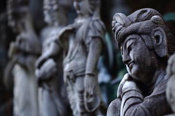 うたたねの彫像