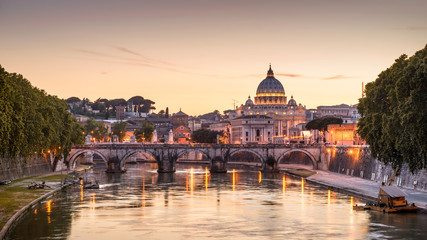 Fototapete - Scenic night view of Rome and Vatican
