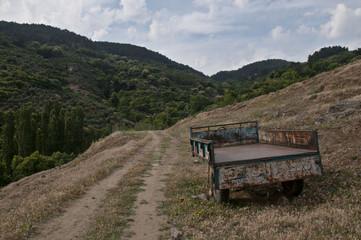 Boş traktör kasası