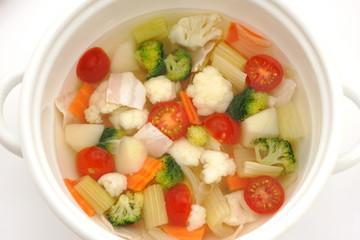 カリフラワーとブロッコリーのスープ