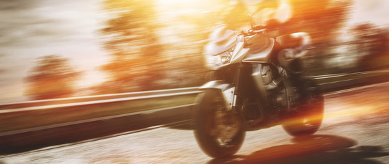 Motorrad bei voller Fahrt
