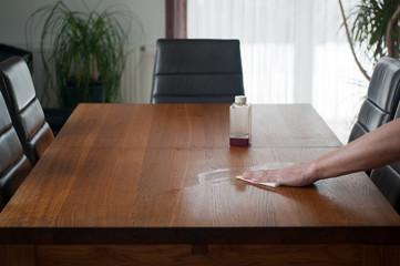 Möbelpflege, Tisch ölen