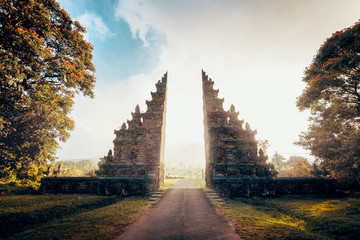 Photo sur Plexiglas Lieu connus d Asie Hindu gate in Bali