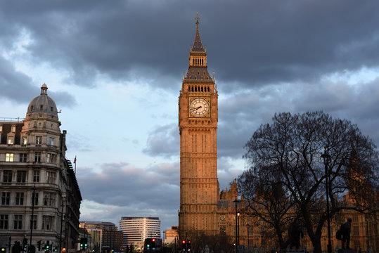 abtei von westminster und big ben in london