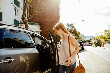 Austrailian Teen Getting into SUV