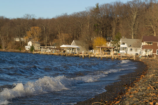 Lakeshore Cottages