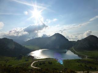 Lagos de Covadonga en los Picos de Europa en la parroquia del concejo de Cangas de Onís en el Principado de Asturias, España