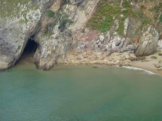 Pesues y  Playa el Sable en Ria  Tina Menor en Cantabria, España