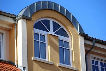 Bilder und videos suchen kunststofffenster - Fenster mit rundbogen ...