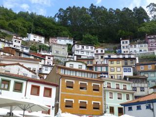 Cudillero pueblo de Asturias junto a Galicia en la comunidad autónoma del Principado de Asturias, España. Limita con Valdés,Salas,Pravia y  con Muros del Nalón