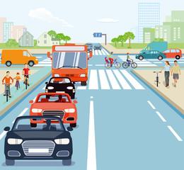 Straßenkreuzung mit Radfahrern und Autos