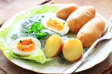 grüne Soße, Eier, Kartoffeln