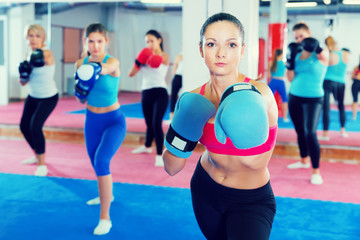 woman is training box exercises