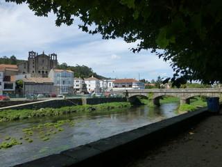 Padrón, pueblo de la provincia de La Coruña, en la comarca del Sar, Galicia, España.