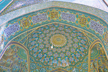 The patterns of Chaharbagh madraseh, Isfahan, Iran