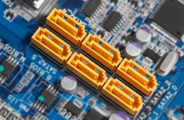 Mainboard SATA connectors