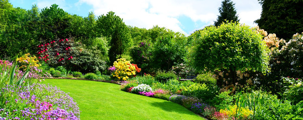 Tuinposter Lime groen beautiful garden panorama