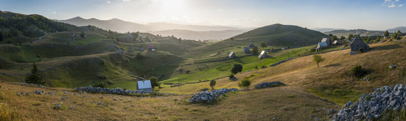 Foto auf AluDibond Natur Small rural mountain village in Durmitor