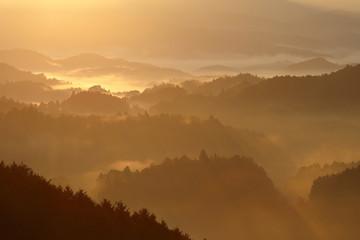 大宇陀 山並み 雲海 朝景