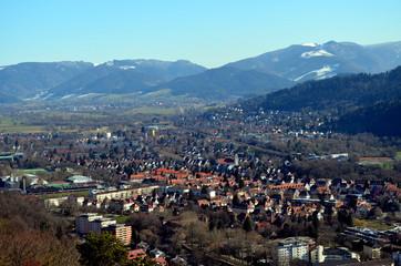 Blick auf Freiburgs Osten und das Dreisamtal