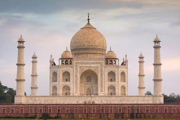 Amazing view of Taj Mahal in the Evening in Agra, Fabulous Taj Mahal Fototapete