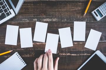 ビジネスイメージと複数のカード