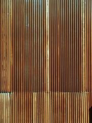 錆びた波型トタン壁