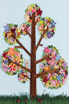 Tree made with quilling art