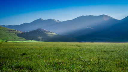 Wall Mural - Stunning dawn in the Castelluccio, Umbria, Italy