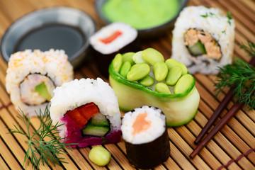 Gemüse Reis Sushi