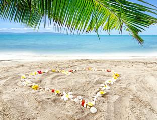 Love is in the air: honeymoon on Caribbean dream island :)