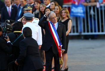 Chile's President Sebastian Pinera arrives to La Moneda Presidential Palace in Santiago