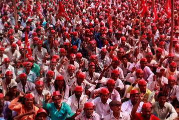 Farmers shout slogans against the government at a rally organised by All India Kisan Sabha (AIKS) in Mumbai