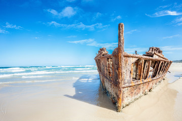 Photo Blinds Shipwreck ship wreck on fraser island, Australia