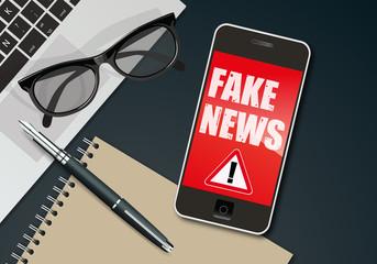 fake news - infos - information - mensonge - smartphone - faux - réseau social - mentir,