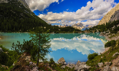 Lago di Sorapiss with amazing  turquoise color of water. The mountain lake in Dolomite Alps. Italy